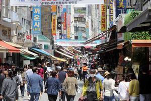 Kinh tế Hàn Quốc vẫn đối mặt với bất ổn do dịch COVID-19