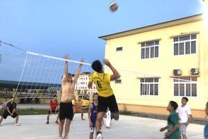 Korea Link giao lưu bóng chuyền với Trung tâm chính trị Thị xã Hoàng Mai