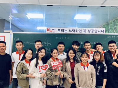 Rộn ràng khai giảng lớp tiếng Hàn Xuất khẩu lao...