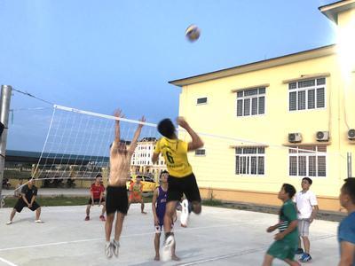 Korea Link giao lưu bóng chuyền với Trung tâm chính trị...