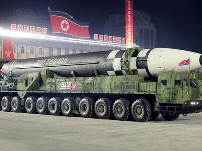 Hàn Quốc lo ngại tên lửa xuyên lục địa mới của...