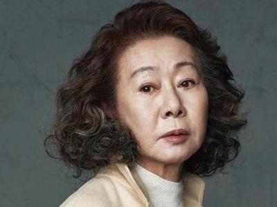 Truyền thông quốc tế ca ngợi bà Youn Yuh-jung viết nên...